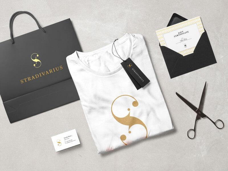 ファッションブランドのロゴ展開例1