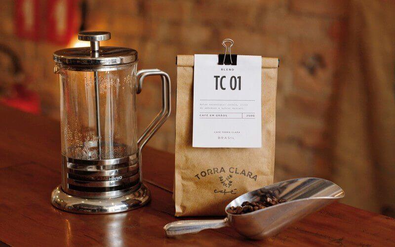 カフェのテイクアウトパッケージデザイン