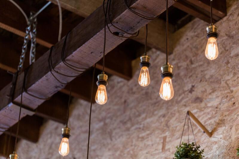 カフェの照明