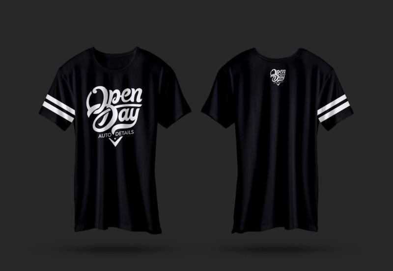 ロゴ入りTシャツデザイン