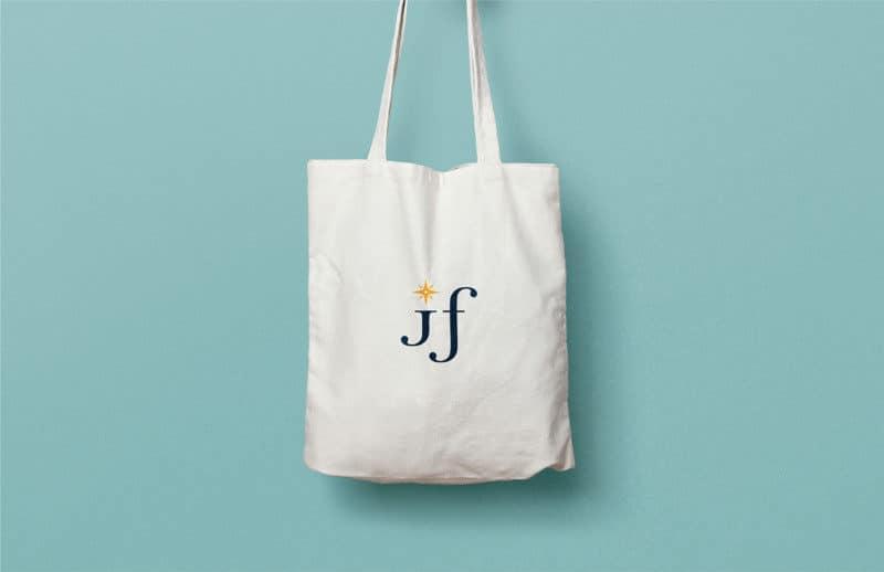 ロゴ入りトートバッグのデザイン