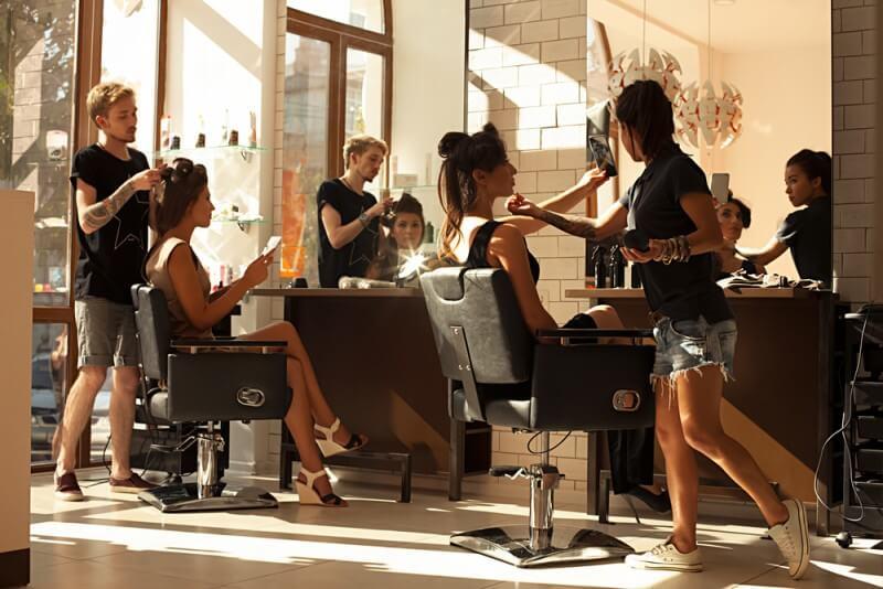 美容師のチラシ