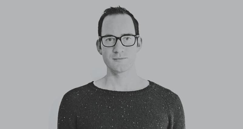 ロゴデザイナーインタビュー