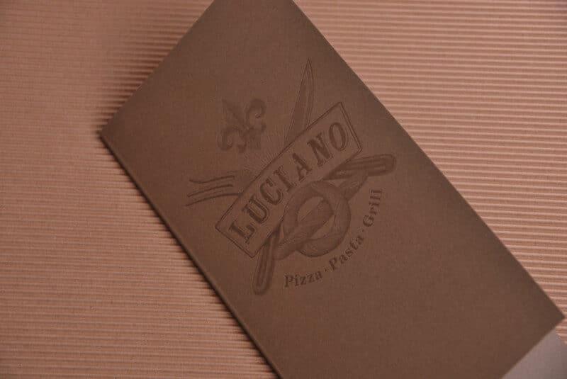 レストランのパンフレットとロゴデザイン