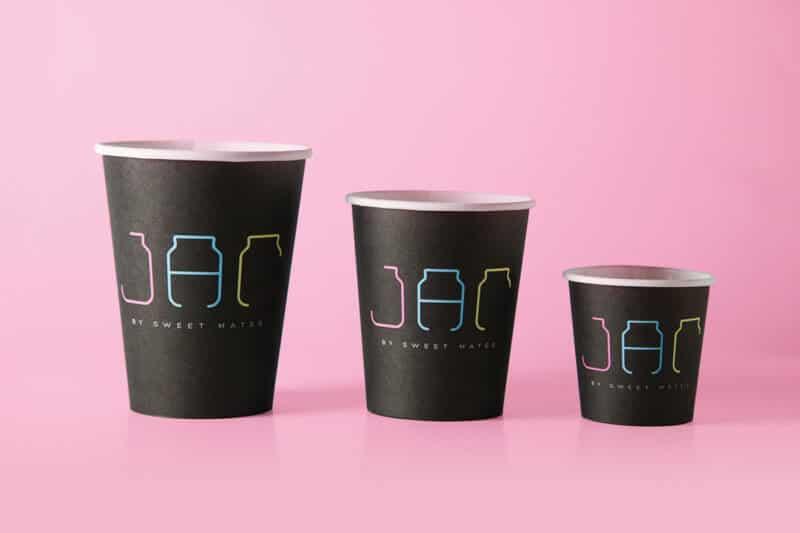スイーツカフェのカップデザイン