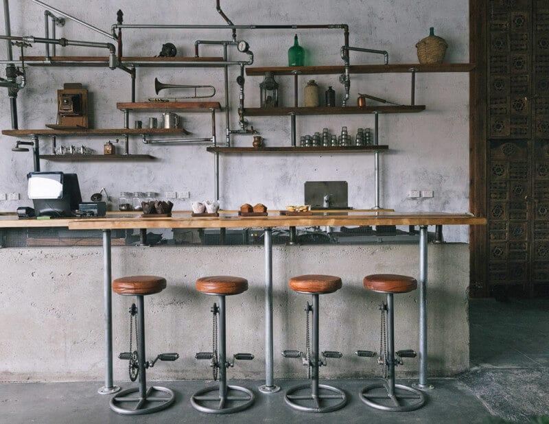 無骨なカフェの内装デザイン2