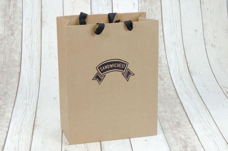 サブロゴを利用したパッケージデザイン