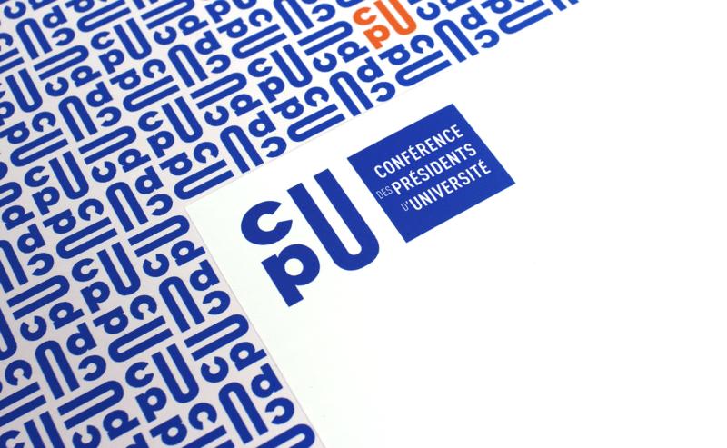 ロゴで構成されたパターングラフィック