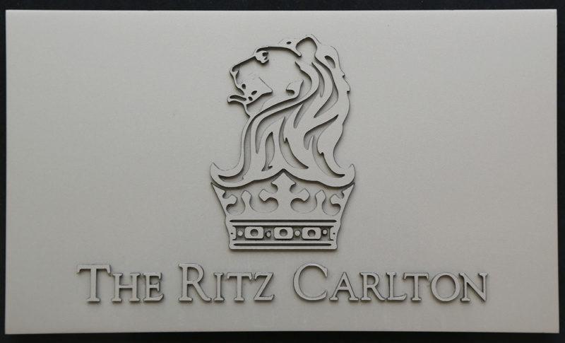 リッツ・カールトンのロゴデザイン