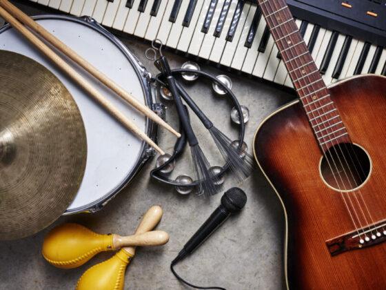 楽器モチーフのロゴデザインについて
