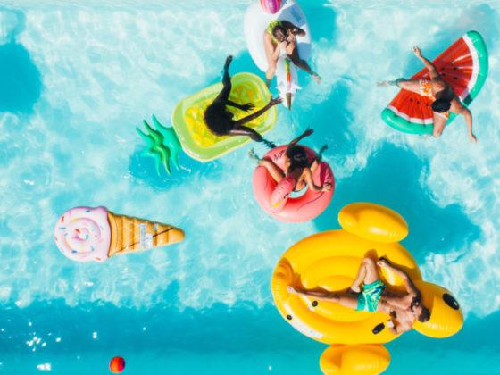マット調なカラーと遊び心が可愛いチラシ作成例について