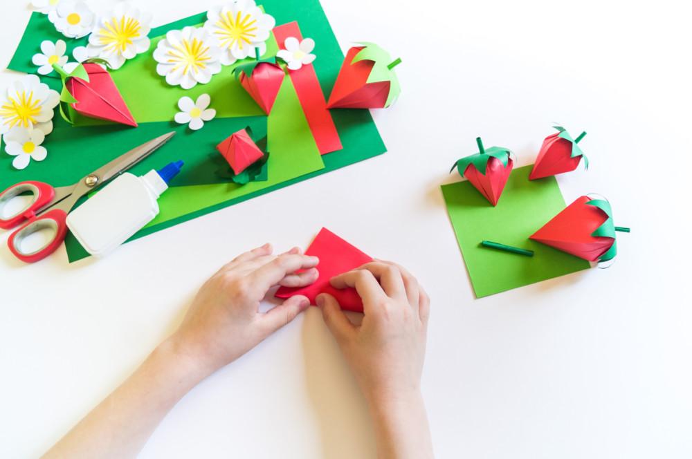 紙の加工自由度が分かる秀逸なパッケージデザインについて