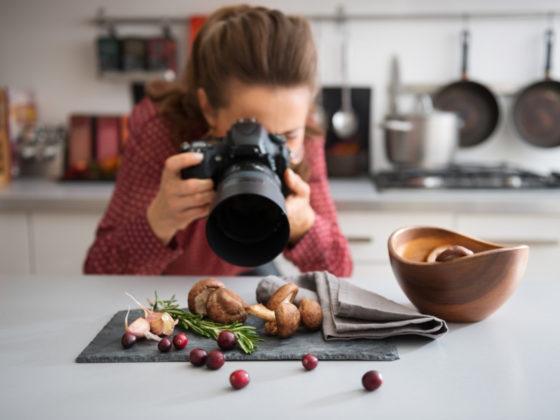 食材をモチーフにしたチラシのデザイン作成例について
