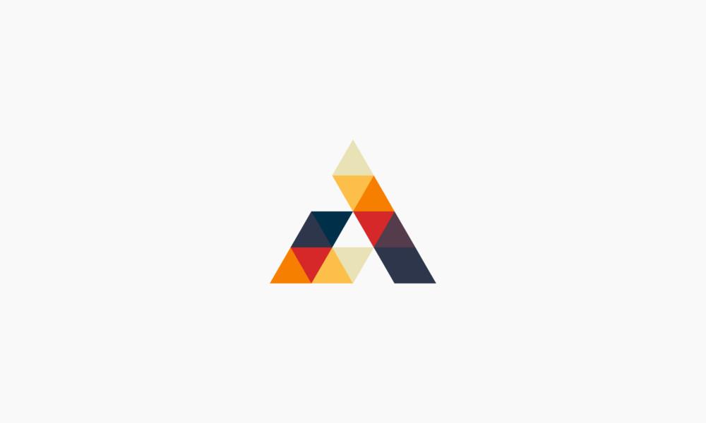 三角形を用いたロゴマークの作成例について
