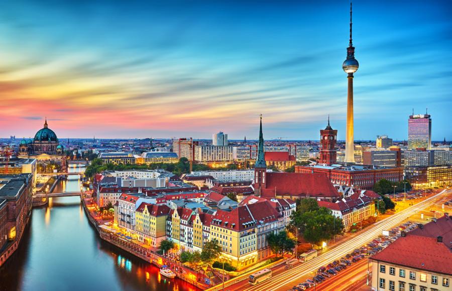ベルリン国際映画祭のポスターデザイン作成例について