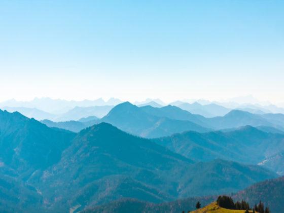 山々の美しさを生かしたデザイン