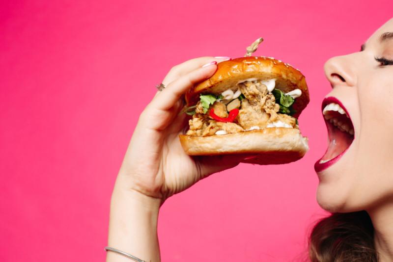 他にはないハンバーガーのロゴ作成例