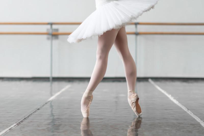 クラシックバレエのフライヤーデザイン