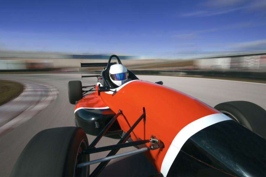 モーターレーシングチームのロゴについて