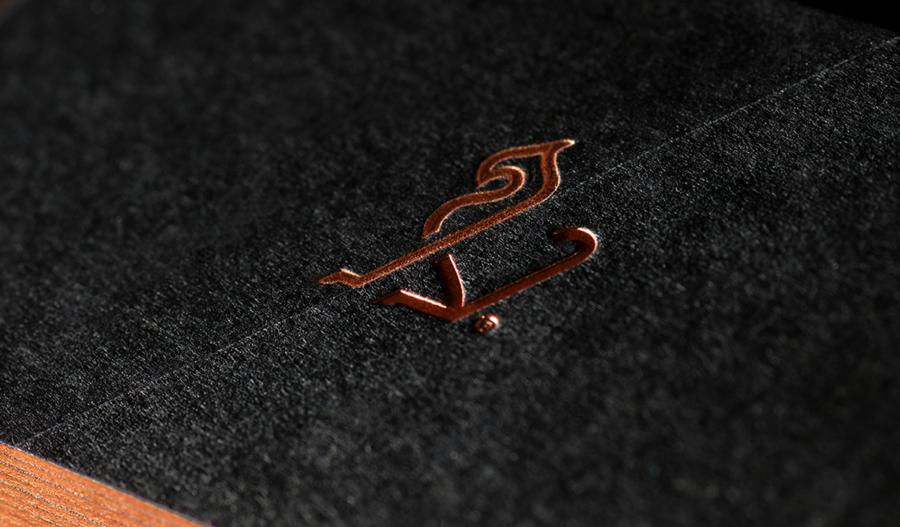 企業ロゴのブランドカラー1