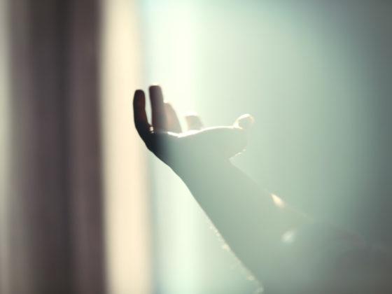 光を効果的に使ったミュージックビデオの制作例について