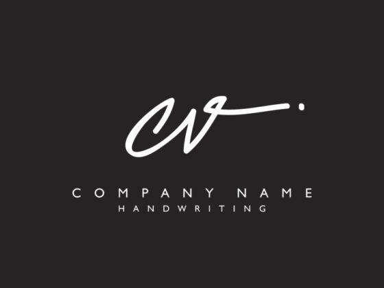 イニシャルの企業ロゴ