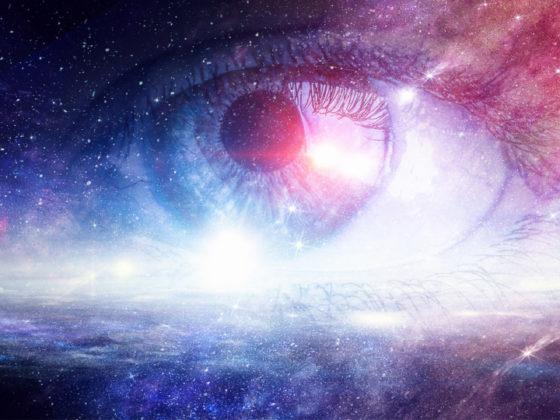 宇宙を感じるスペクタクルなポスター作例