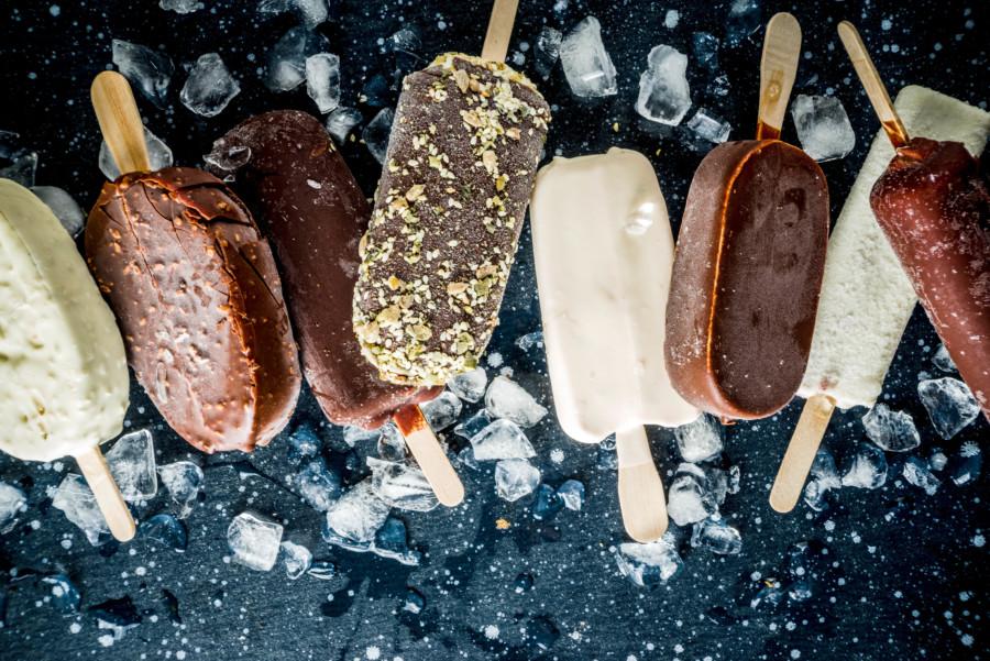 バラエティ豊かなアイスクリームのパッケージデザイン