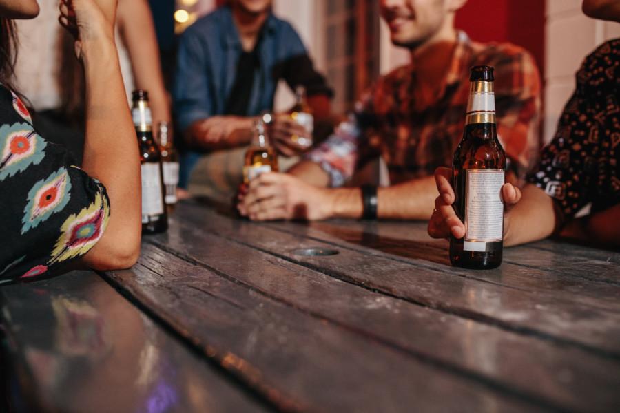 シンプルなビールのラベルデザインの作成例について