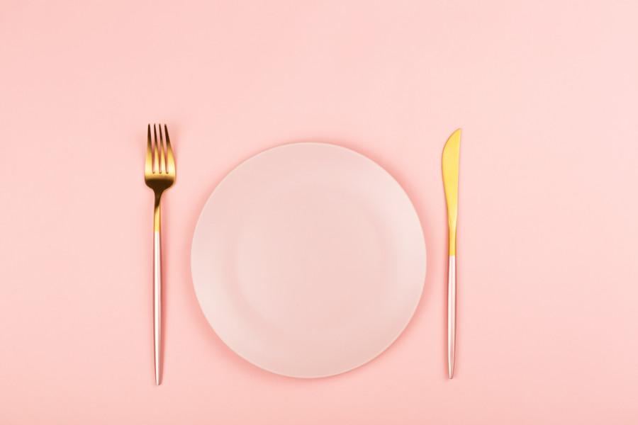 食事が楽しくなるロゴデザイン作成例について