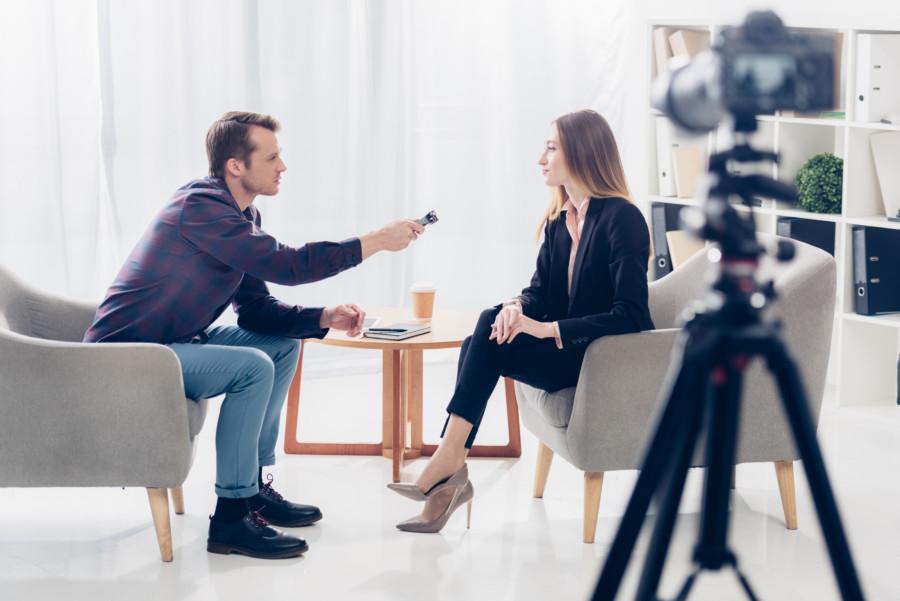 アーティスト達が語るインタビュー動画編集例について