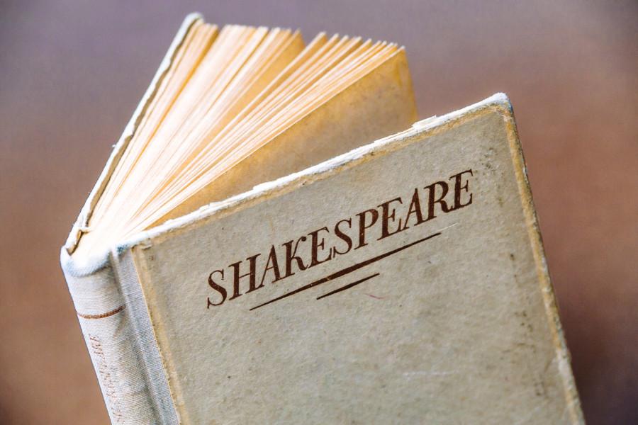 シェイクスピアの世界観を閉じ込めた切手デザインについて