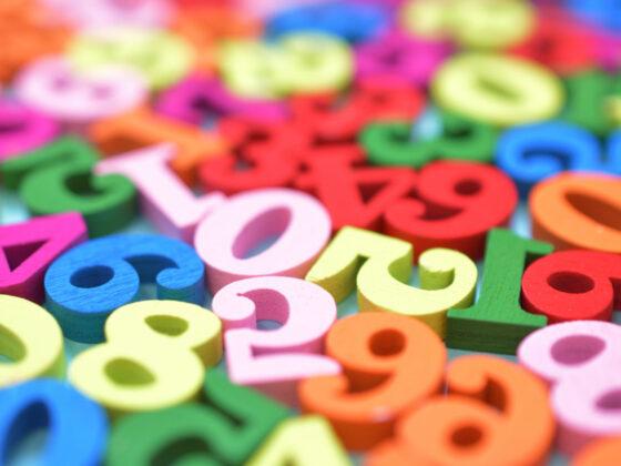 数字を使った企業やサービスのロゴデザイン制作例について