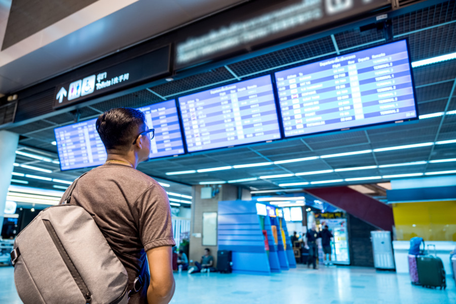 空港のデジタルサイネージ