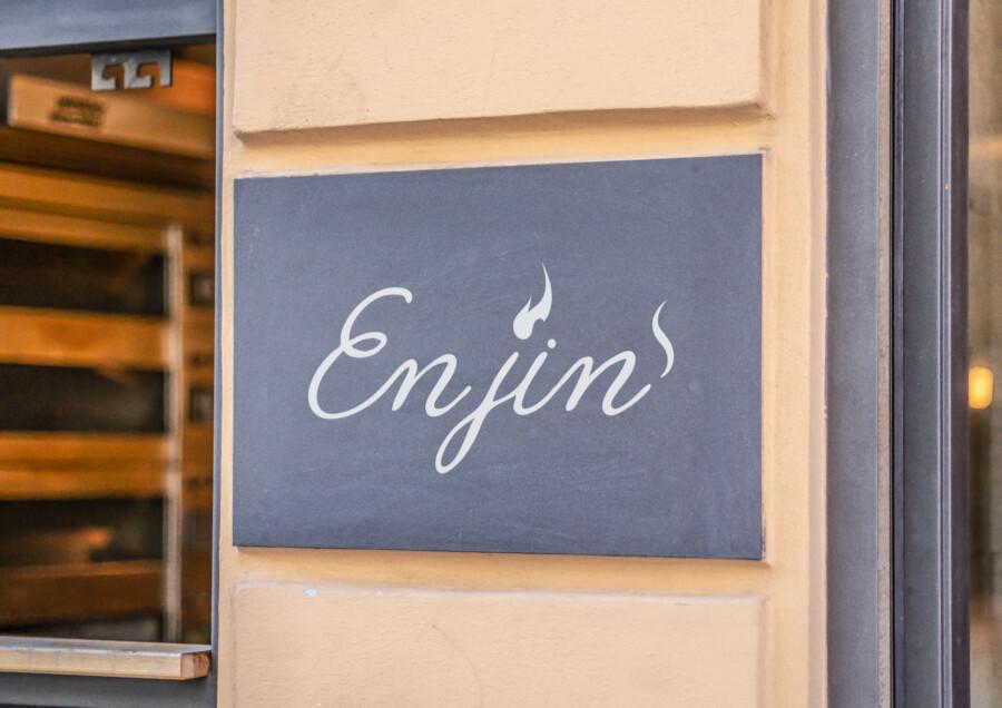 水タバコを取り扱うカフェ&バーのロゴデザイン作成例_2